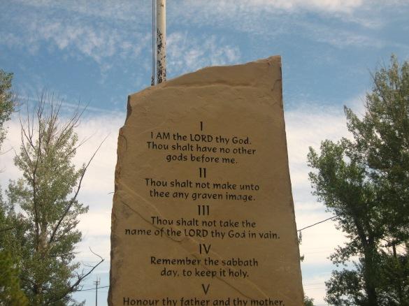 Ten_Commandments_monument_in_Springer,_NM_IMG_0544